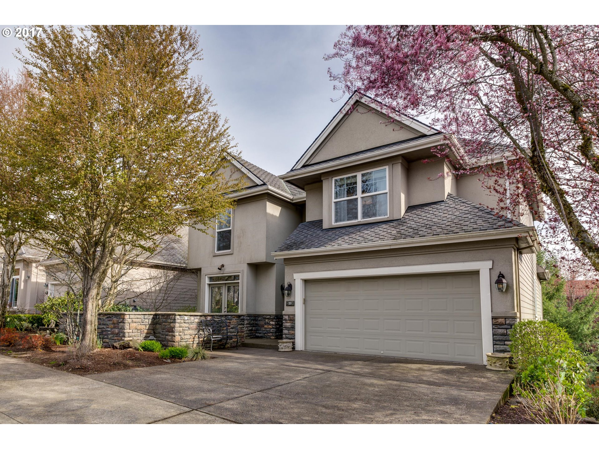20 MORNINGVIEW CIR, Lake Oswego, OR 97035