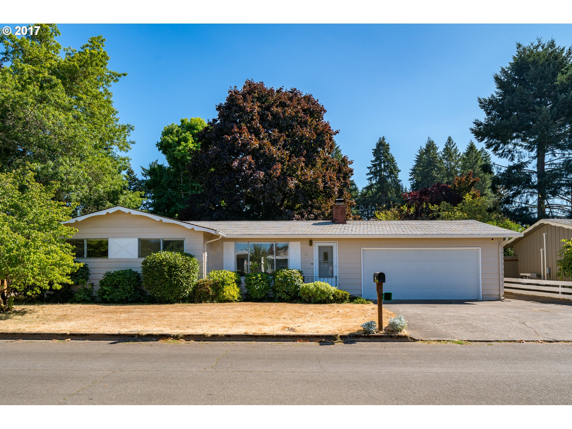 231 GRANT AVE, Cottage Grove OR 97424