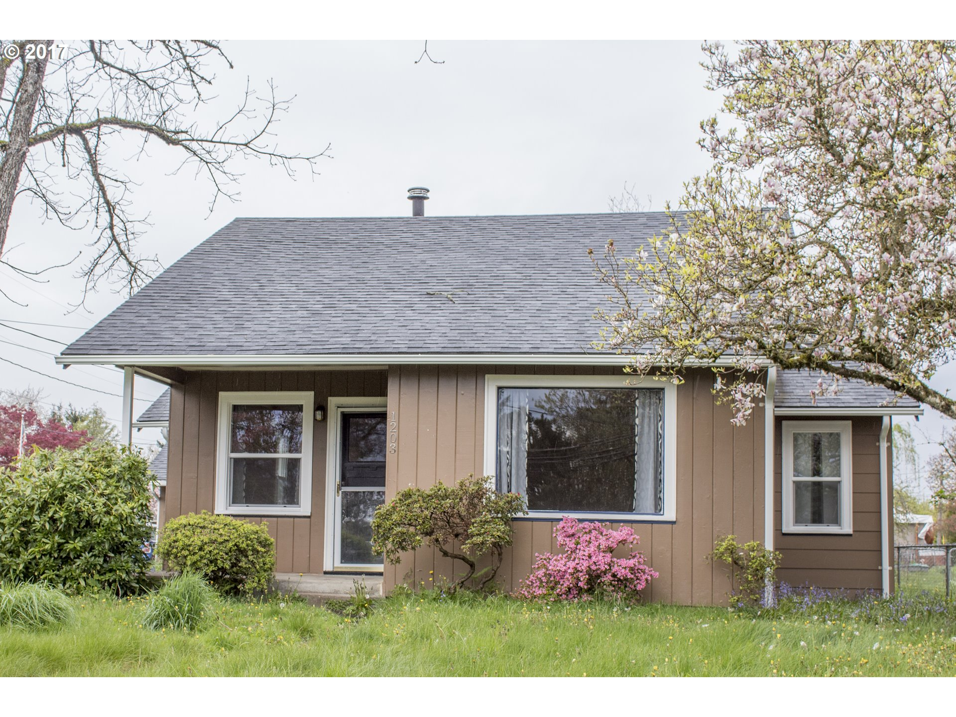 1203 Division ST, Oregon City, OR 97045
