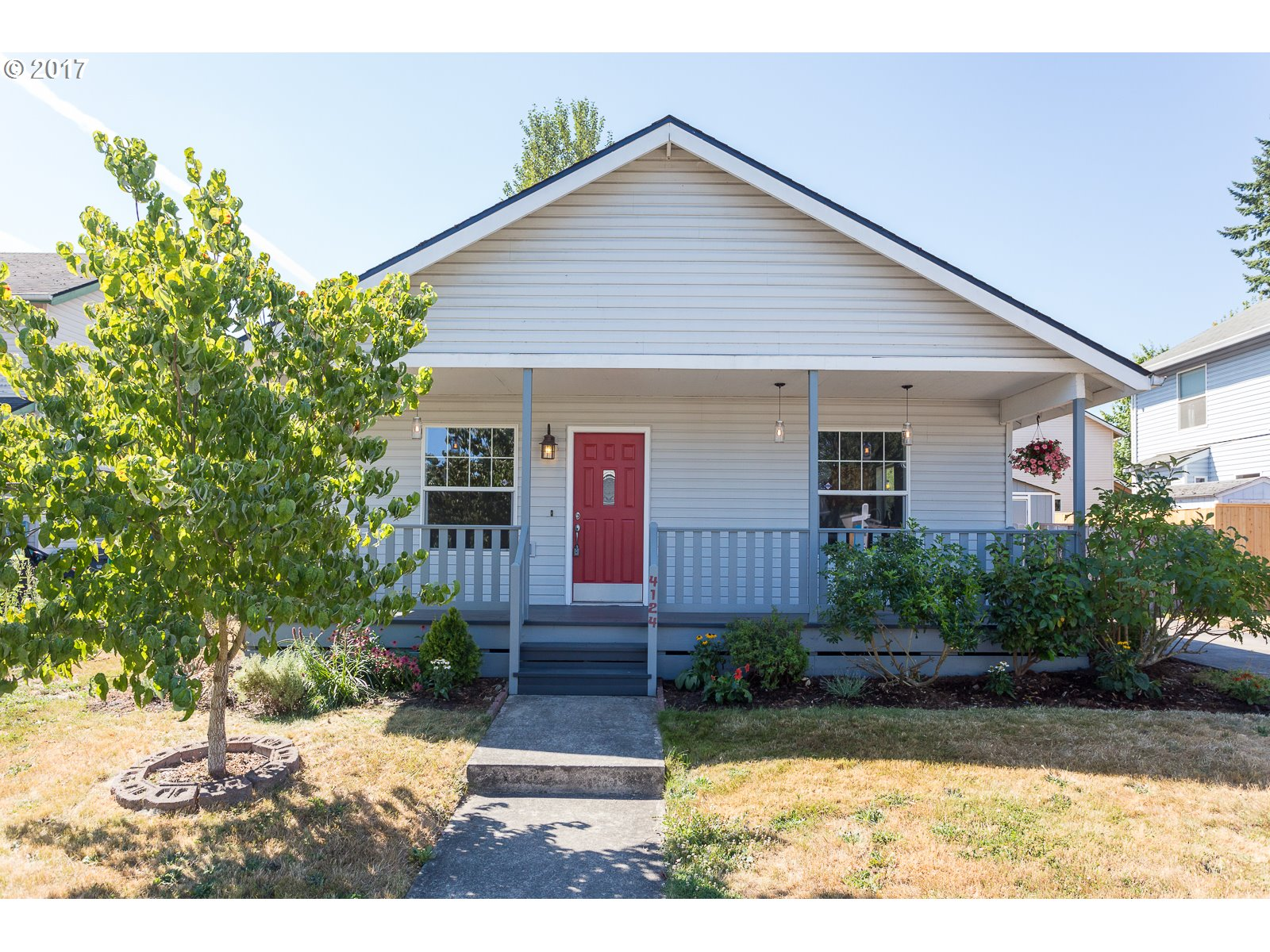 Modern Farmhouse in Red Hot Portsmouth! The full-length front porch w/charming mason jar lights for vintage charm. Inside there's a modern floor plan for today's living. Great room concept w/spacious DR, open kitchen & large LR. Master suite, two add'l bedrooms & 2nd full bath. Laundry room w/extra storage room. Plus a sturdy outside shed. Fenced yard w/rooms for kids, dogs& gardening. All on a quiet culdesac. Open Sun 8/20 1-3