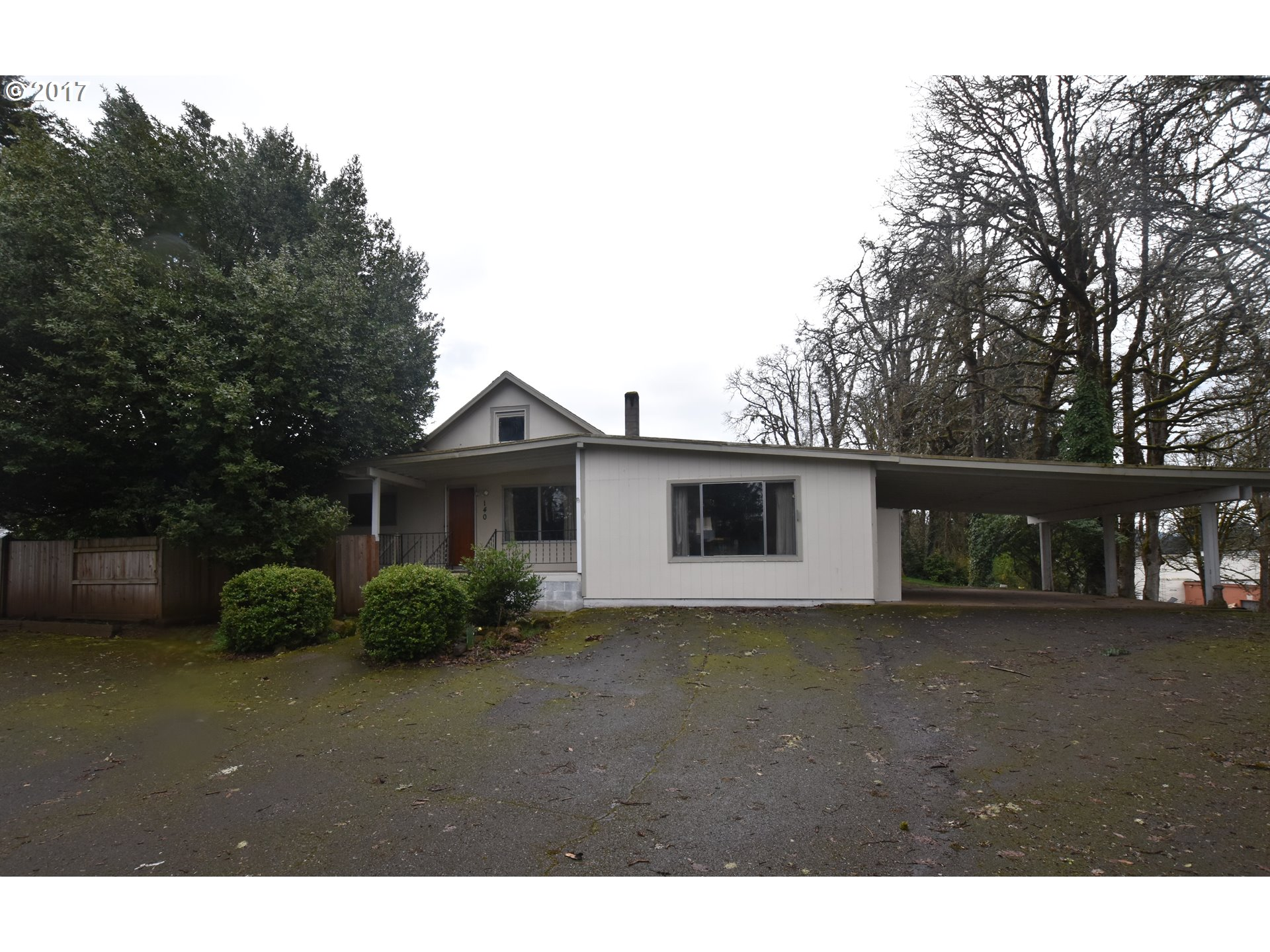140 N 19TH ST, Cottage Grove, OR 97424