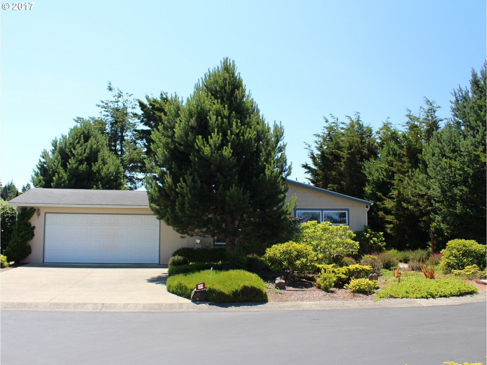 899 31ST WAY, Florence, OR 97439