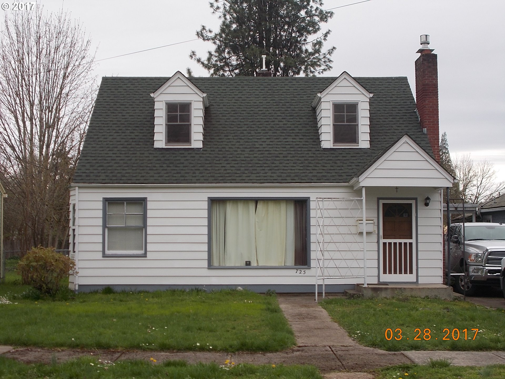 725 S 2ND ST, Cottage Grove, OR 97424