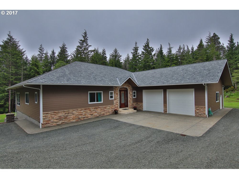 69149 SANDPOINT RD, North Bend, OR 97459