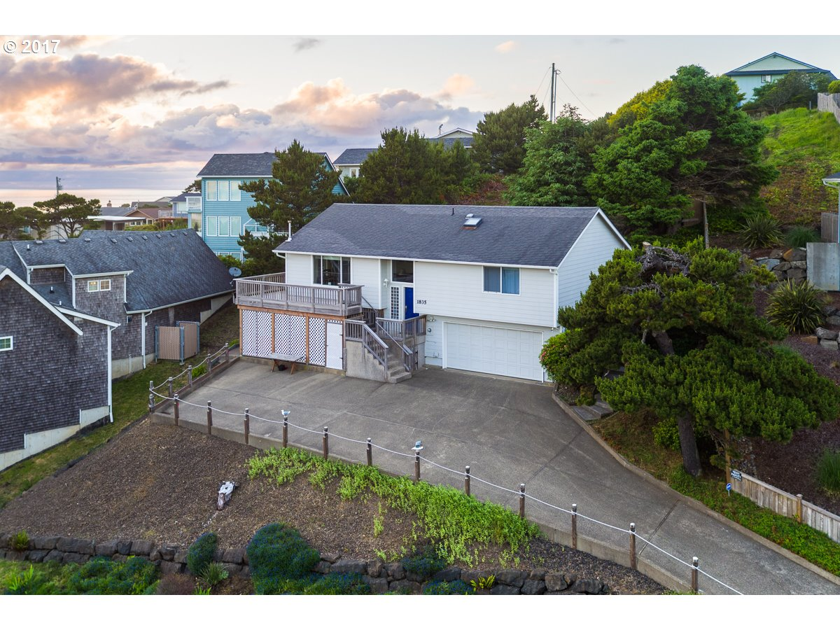 1835 NW 50TH ST, Lincoln City, OR 97367
