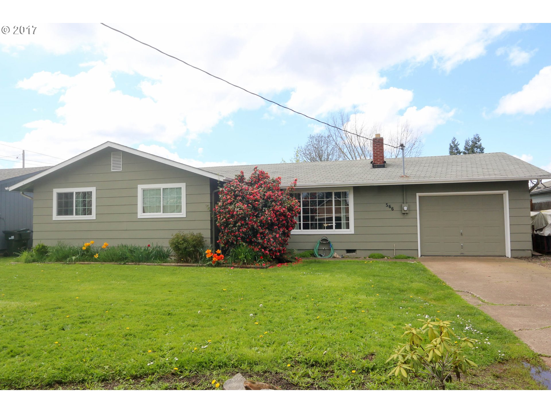 566 38TH ST, Springfield, OR 97478