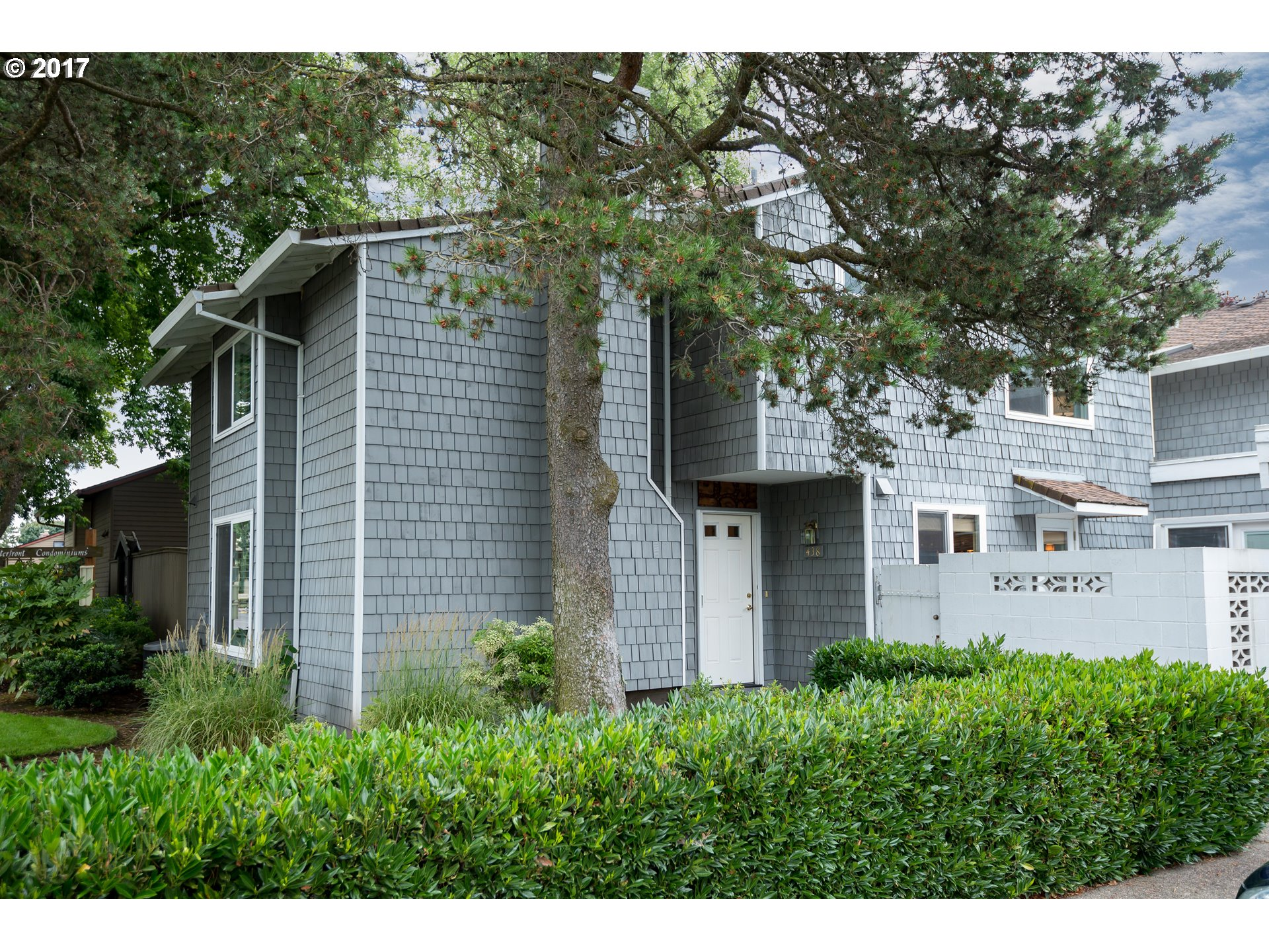 438 N HAYDEN BAY DR, Portland, OR 97217