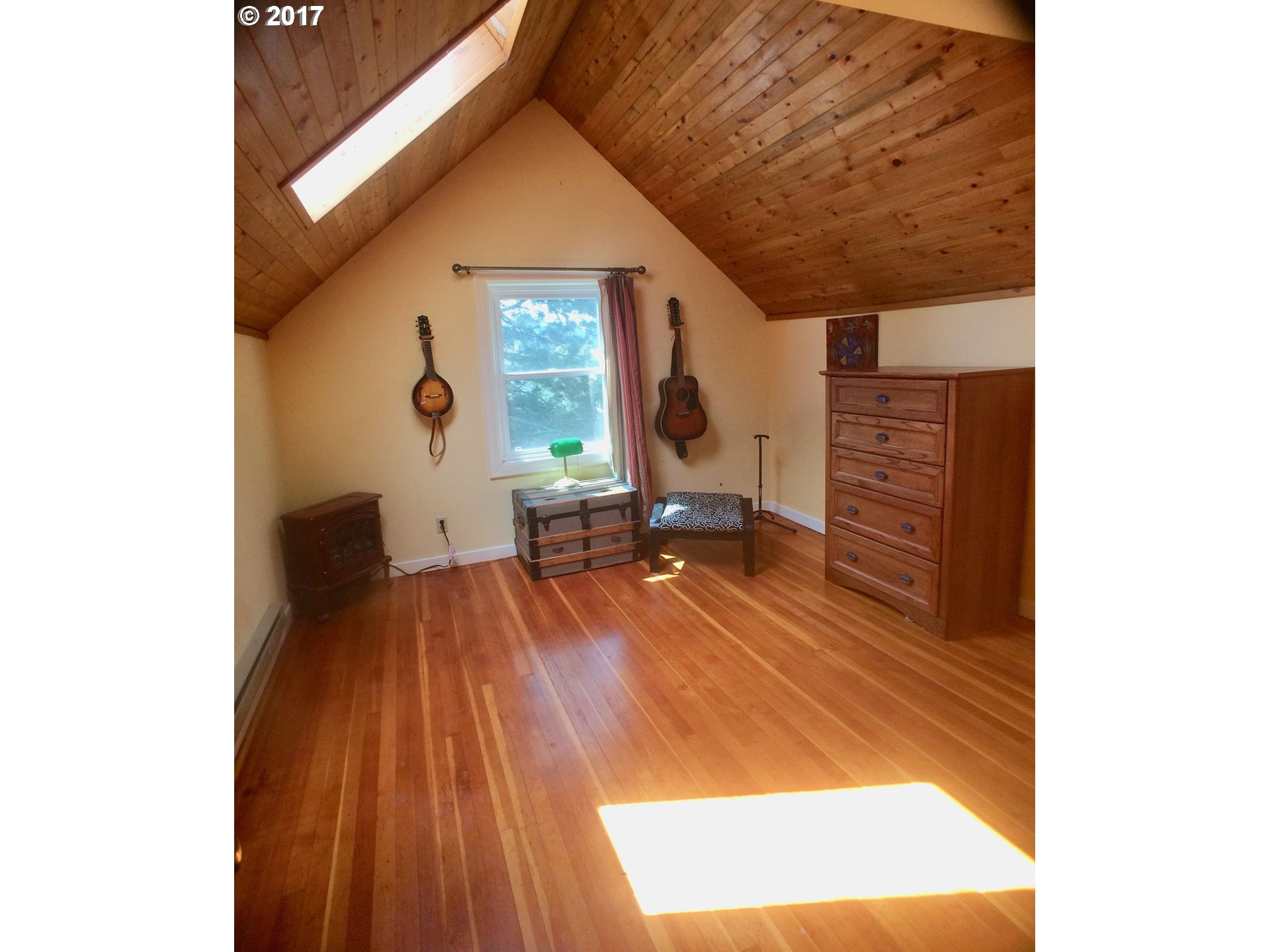 2361 HILYARD ST Eugene, OR 97405 - MLS #: 17540397