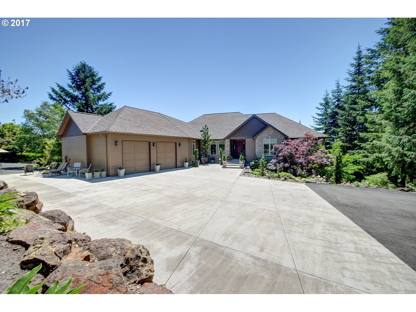 111 S LUOMA RD, Woodland, WA 98674