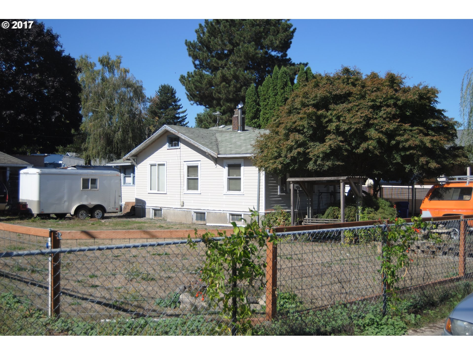 Great development possibility City of Portland says up to 10 dwelling on this corner lot one unit every 1000sqft buyer to do due diligence. Bring your builders. Builders pack available on request. This property is 3.7 miles from airport, .7 miles to max, and .5 miles from 205.