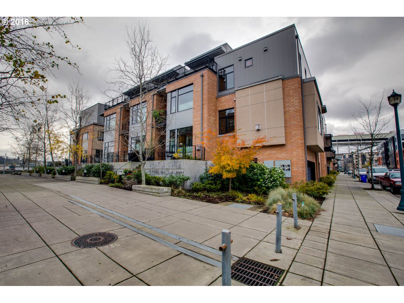 1690 NW RIVERSCAPE ST, Portland, OR 97209