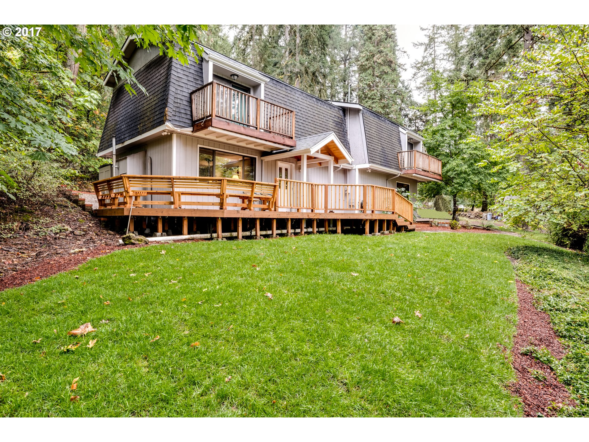 7945 S C ST, Springfield, OR 97478