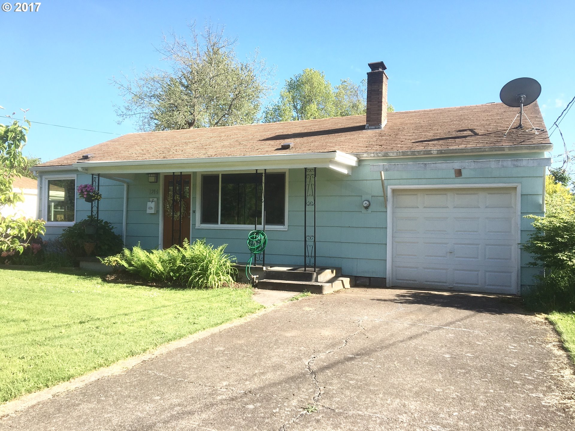 1214 W 17TH AVE, Eugene, OR 97402