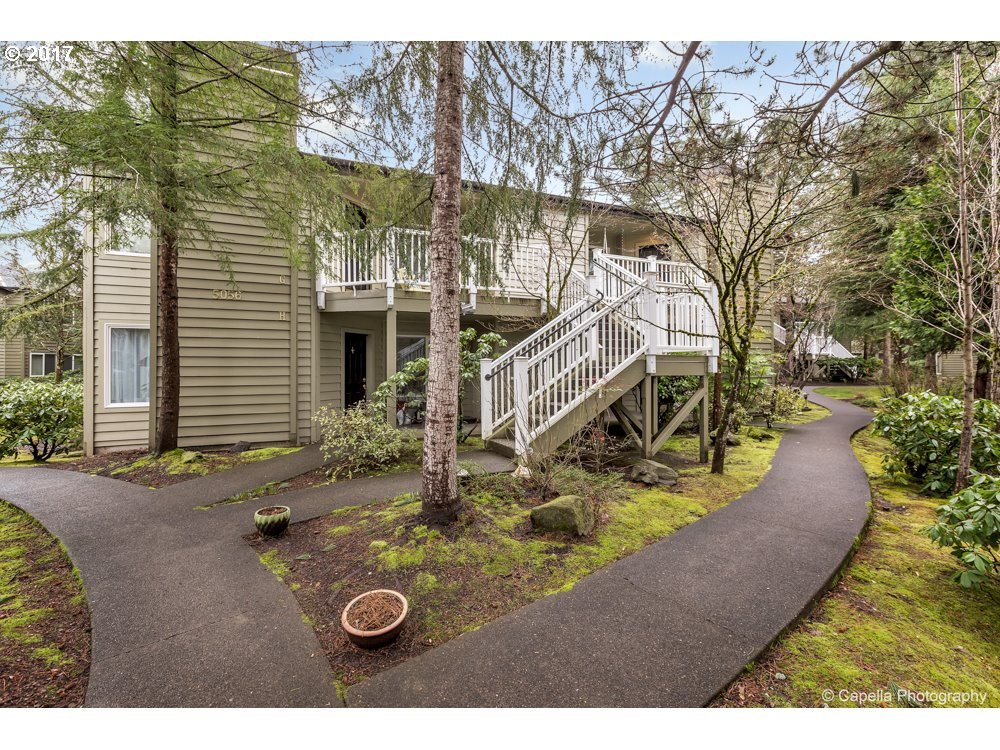 5056 FOOTHILLS DR F, Lake Oswego, OR 97034