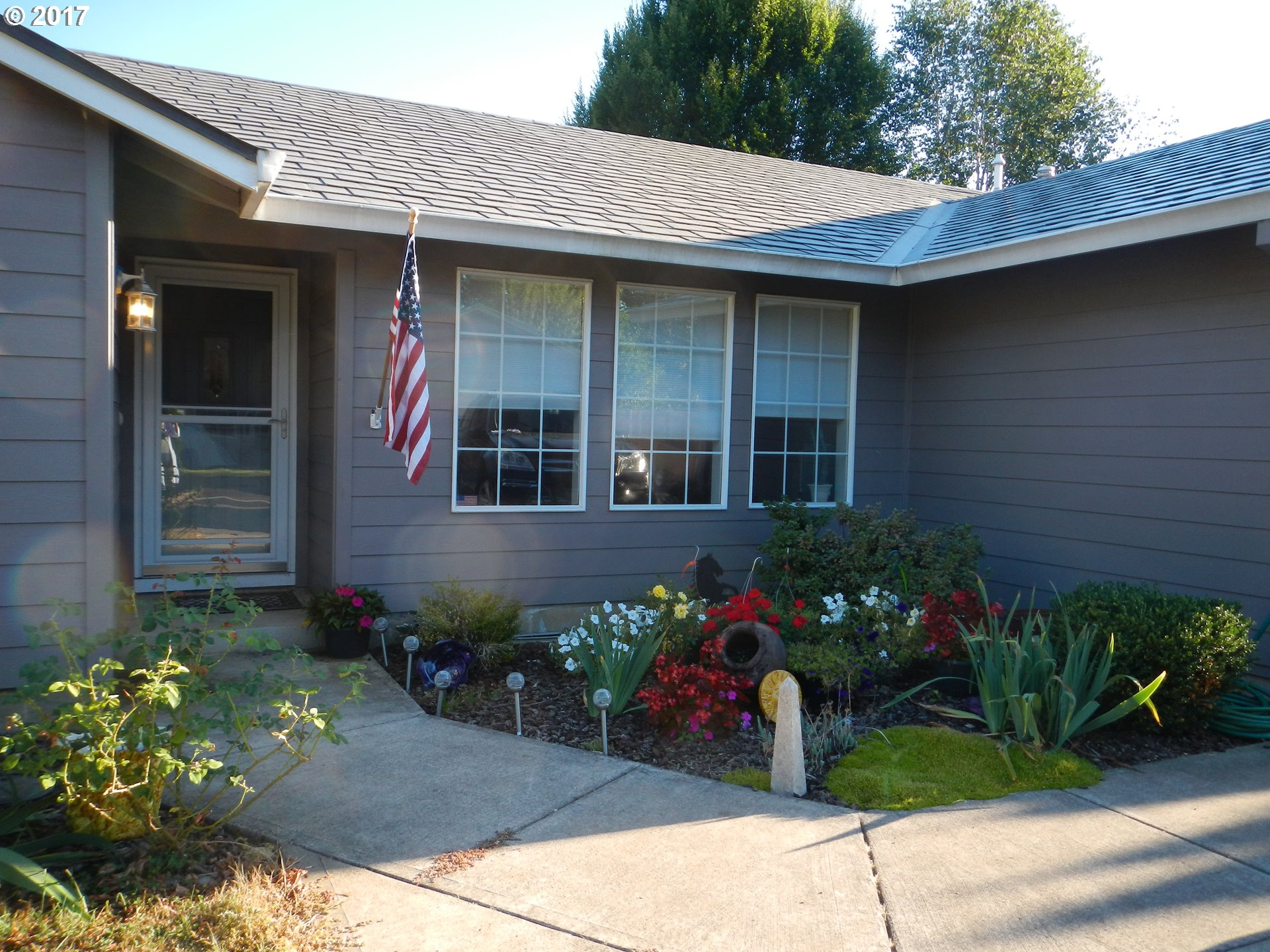 15822 SWAN AVE, Oregon City, OR 97045