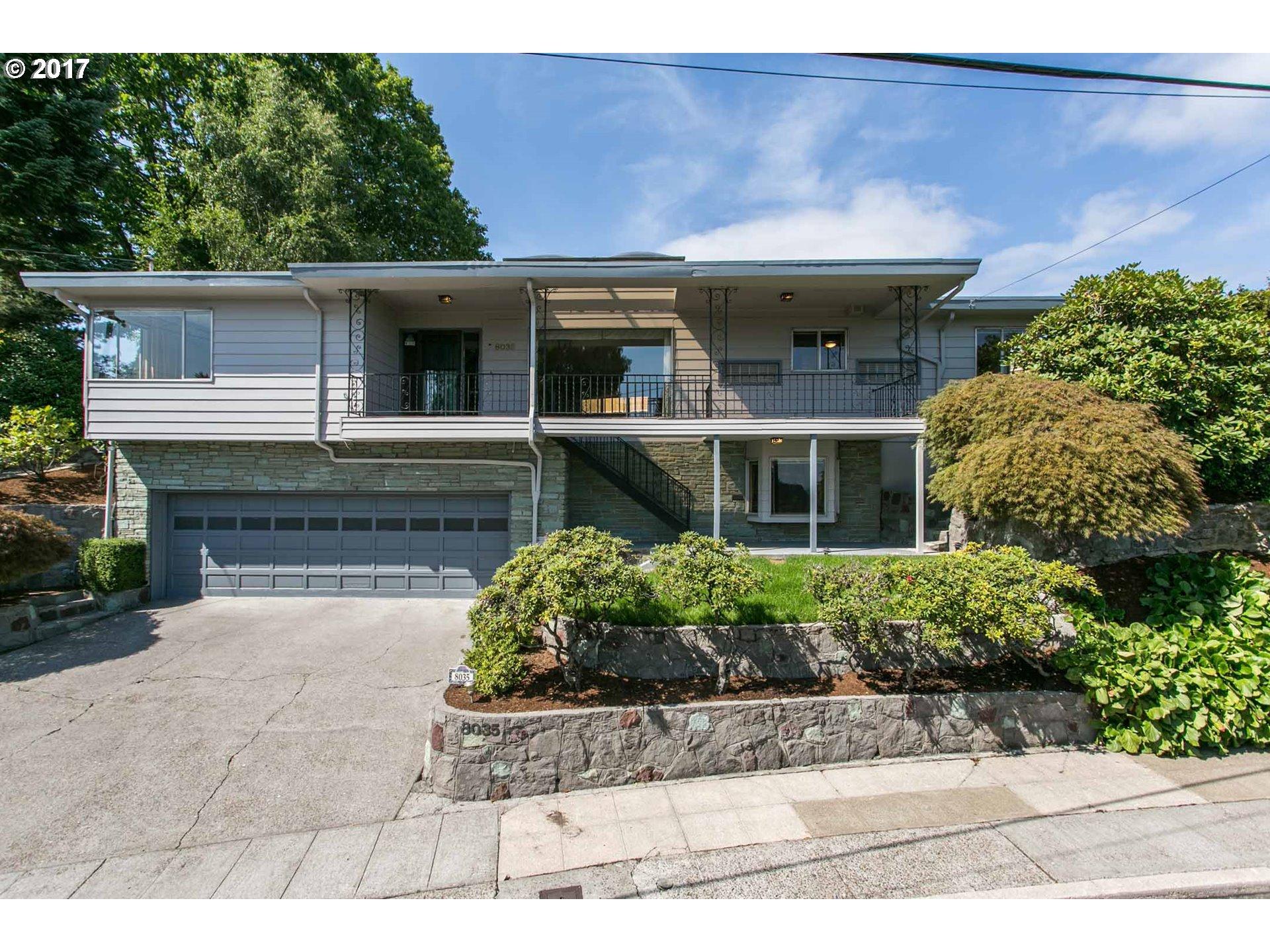 8035 Sw Burlingame Ave Portland Or 97219 Living Room Realty Portland Real Estate