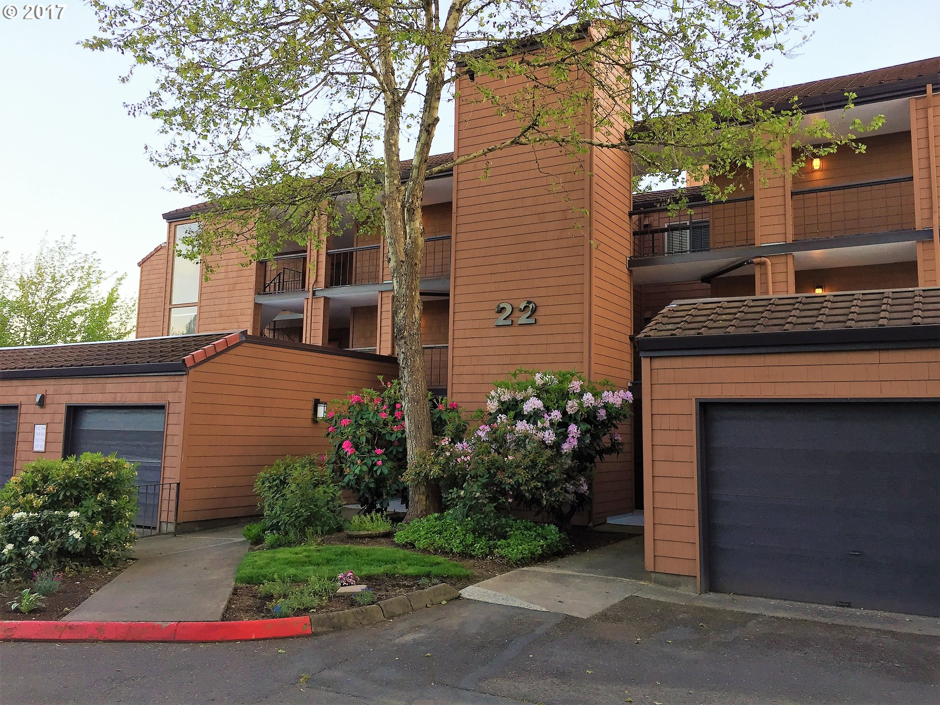 154 OSWEGO SMT Blg22, Lake Oswego, OR 97035