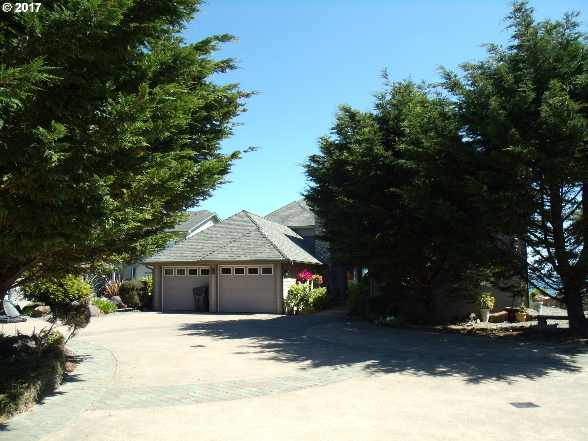 843 CHETCO POINT TR, BROOKINGS, OR 97415  Photo 3