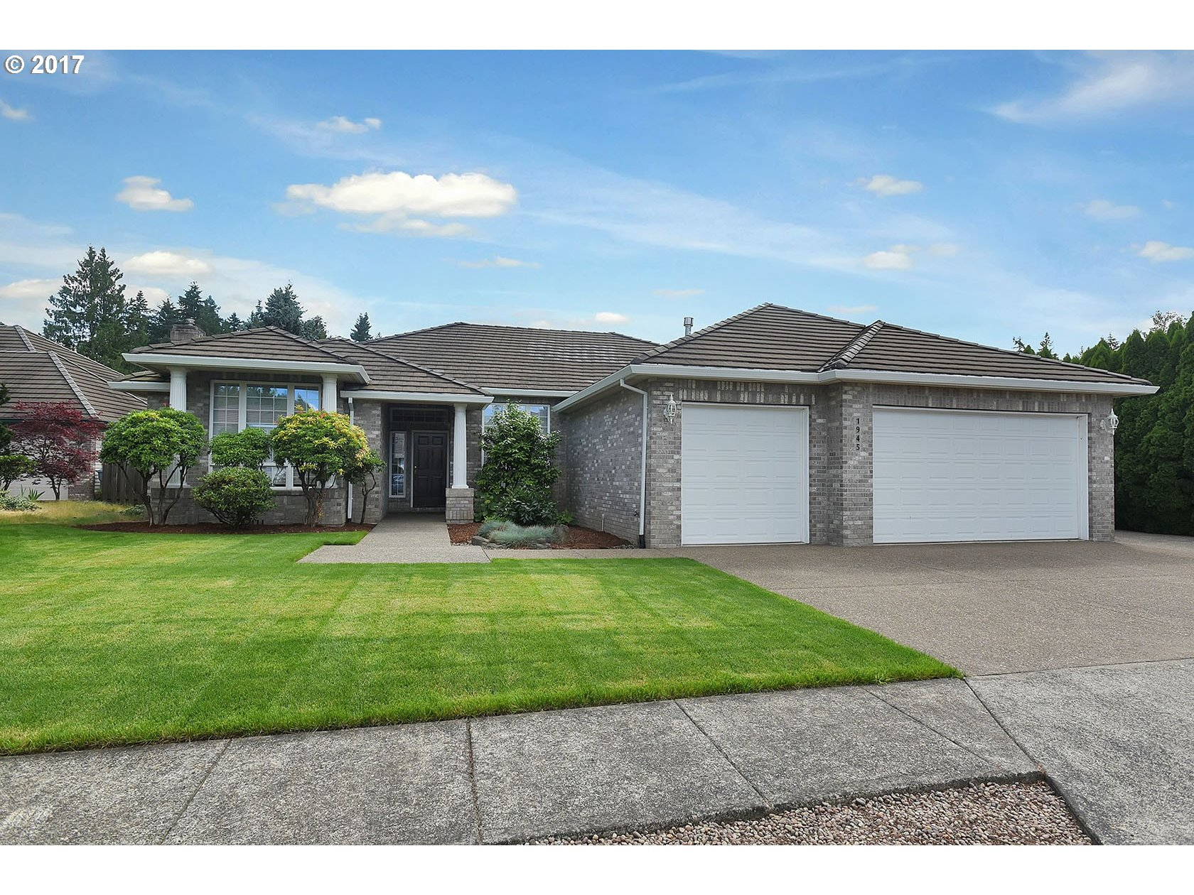 1945 NE 19TH AVE, Canby, OR 97013