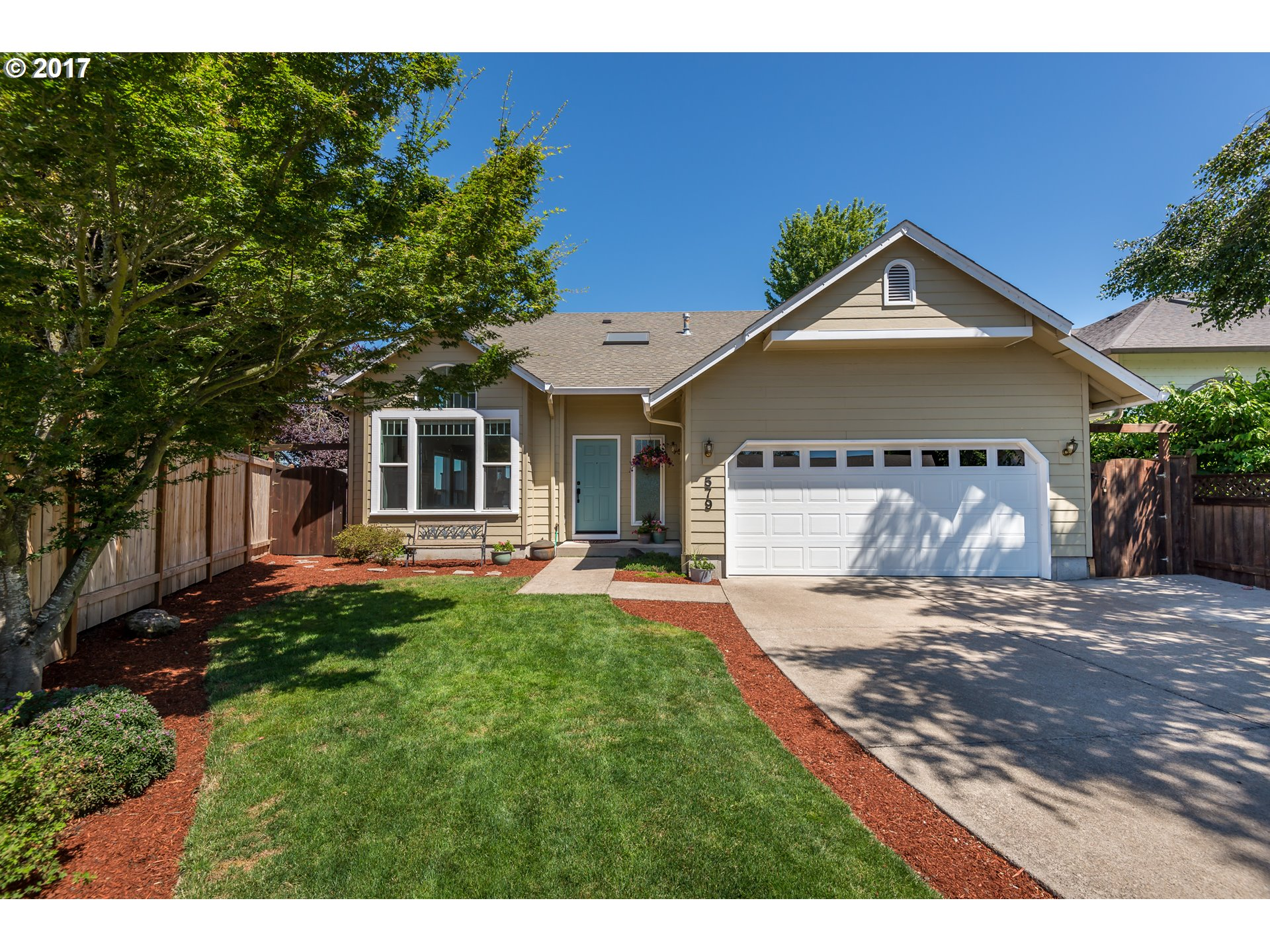 579 SWEETWATER LN, Eugene, OR 97404