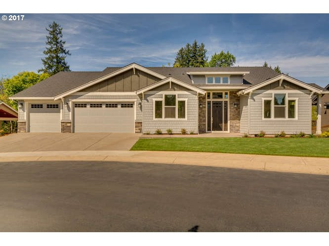 1239 SW FOREST GLEN DR, McMinnville, OR 97128