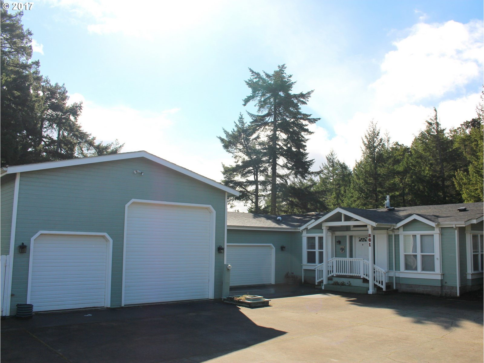 861 35TH WAY, Florence, OR 97439