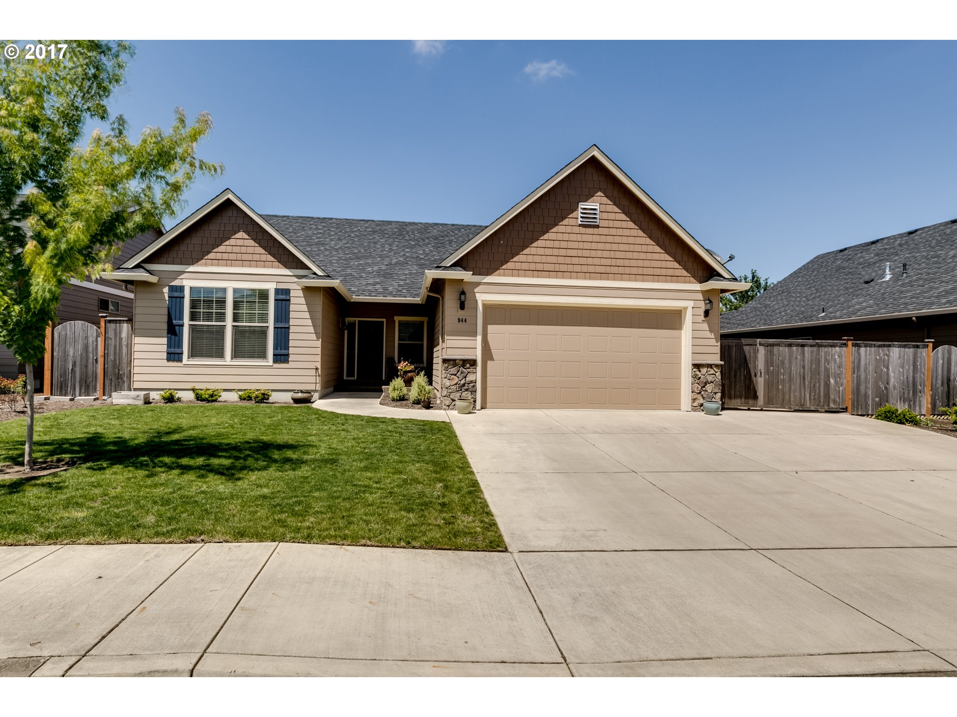 944 KAYLEE AVE, Junction City, OR 97448