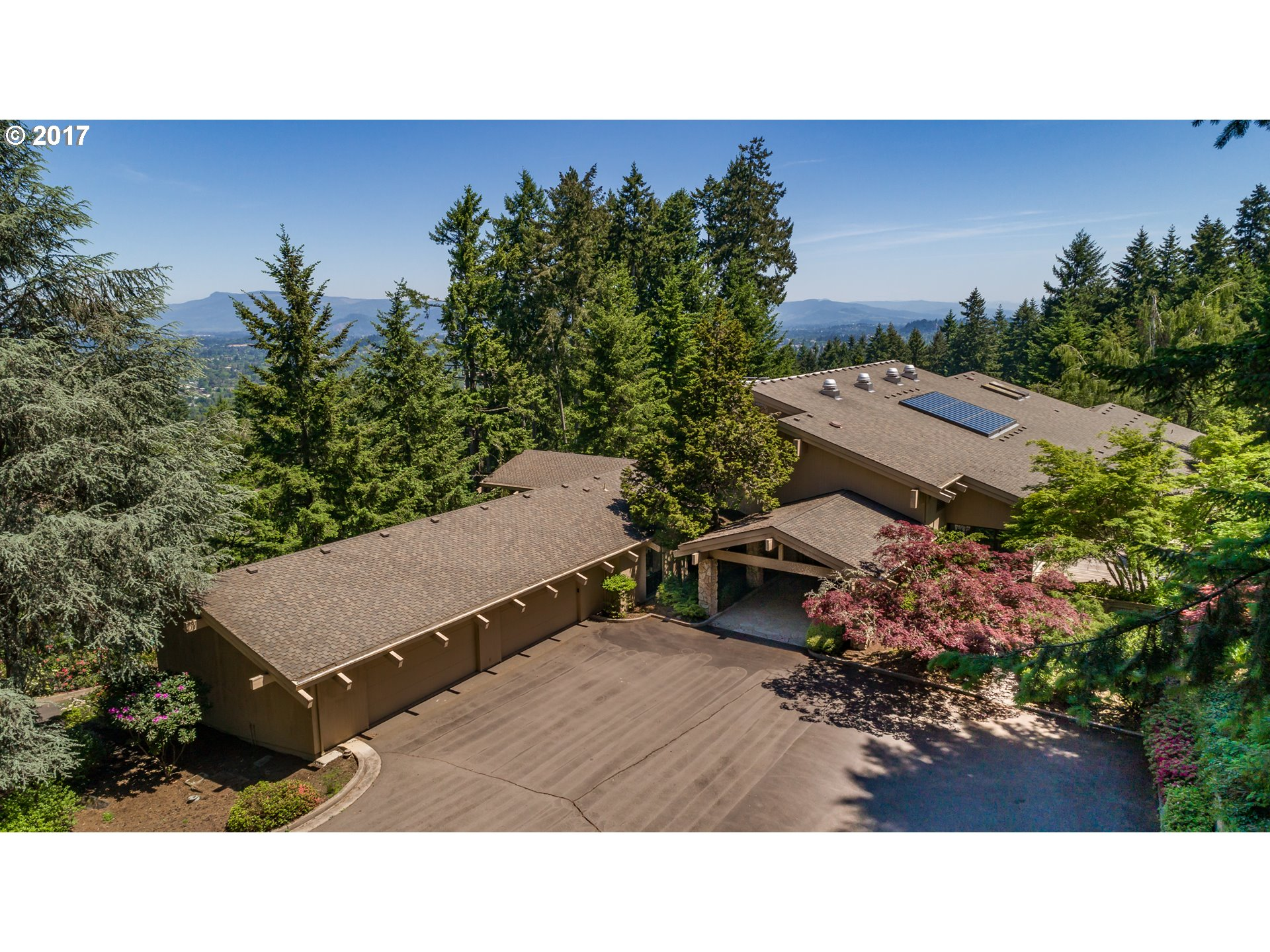 2442 W 29TH AVE, Eugene OR 97405