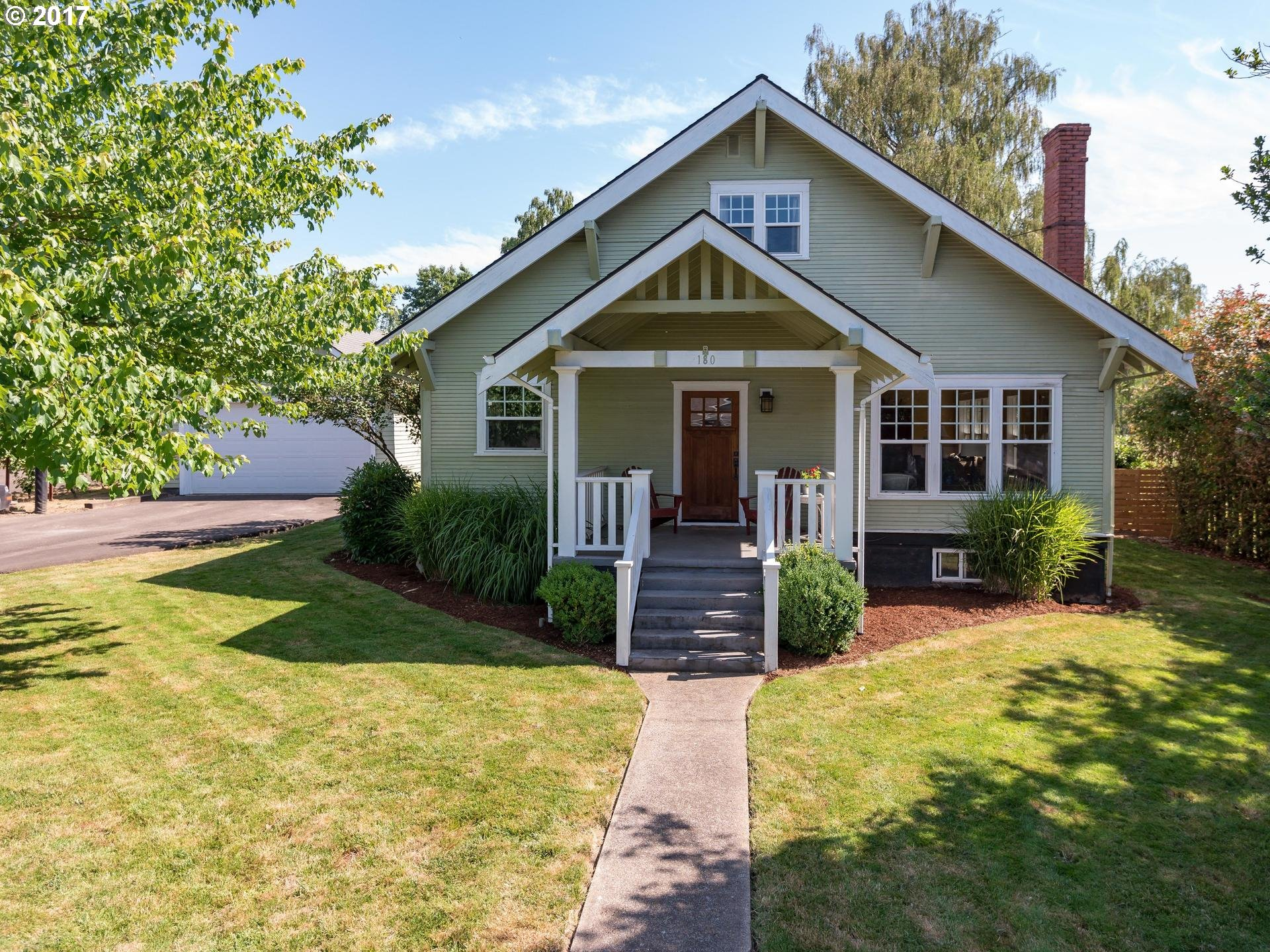 180 SW 7TH ST, Dundee, OR 97115