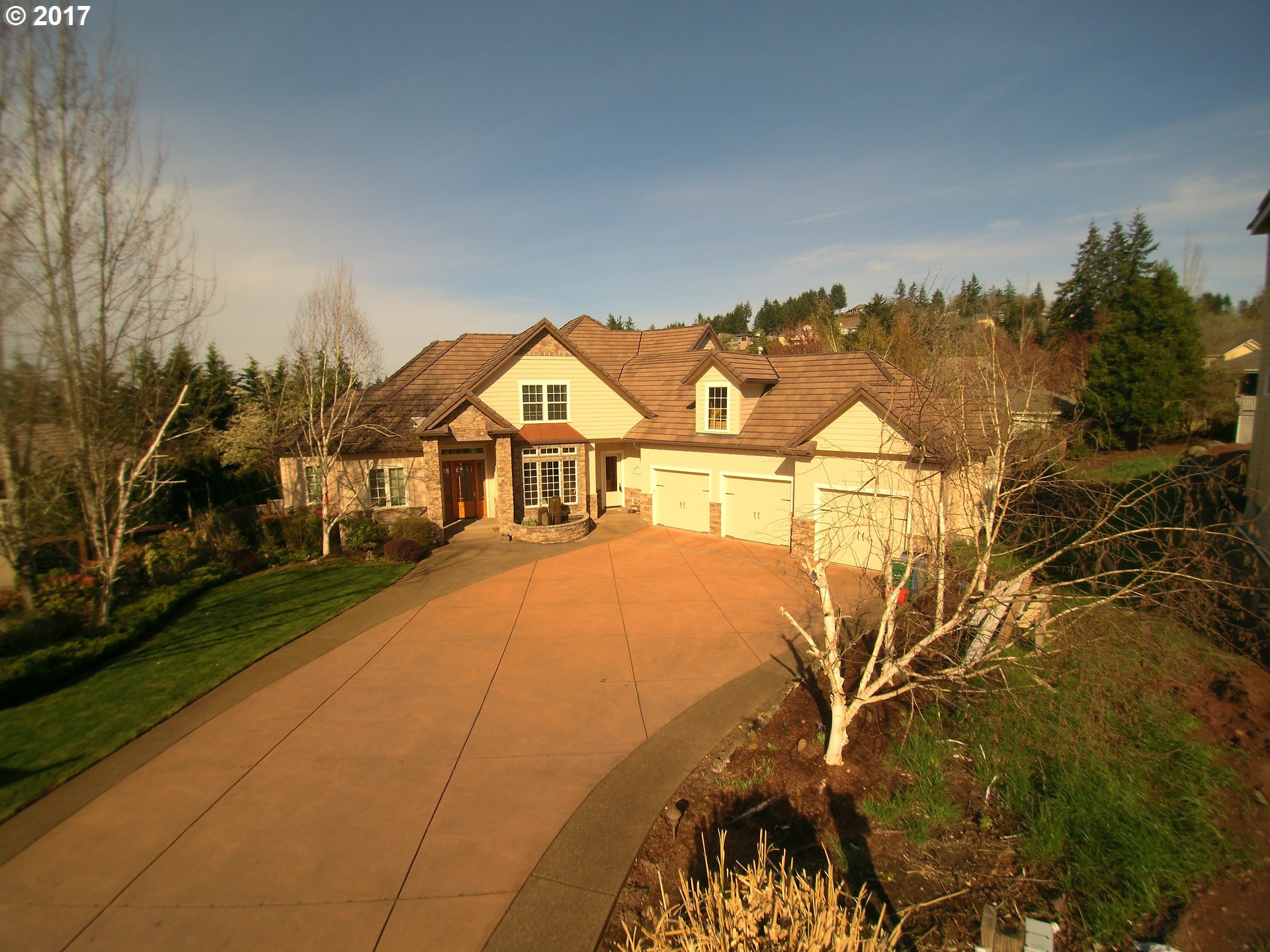 3329 WINTERCREEK CT, Eugene, OR 97405