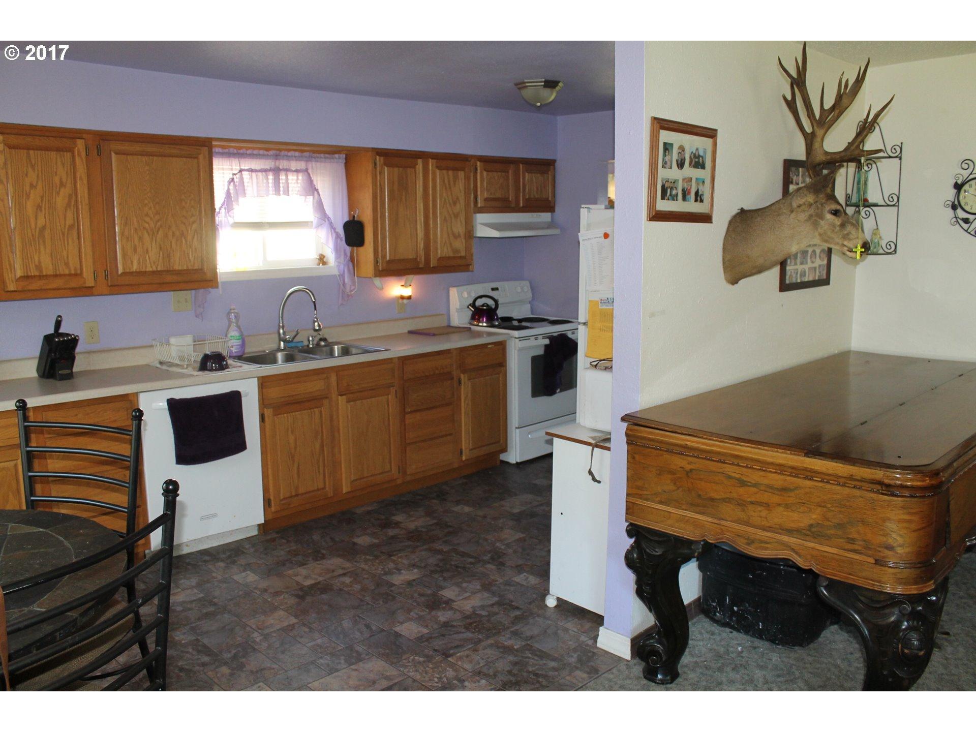 47545 PERKINS ST Oakridge, OR 97463 - MLS #: 17568254