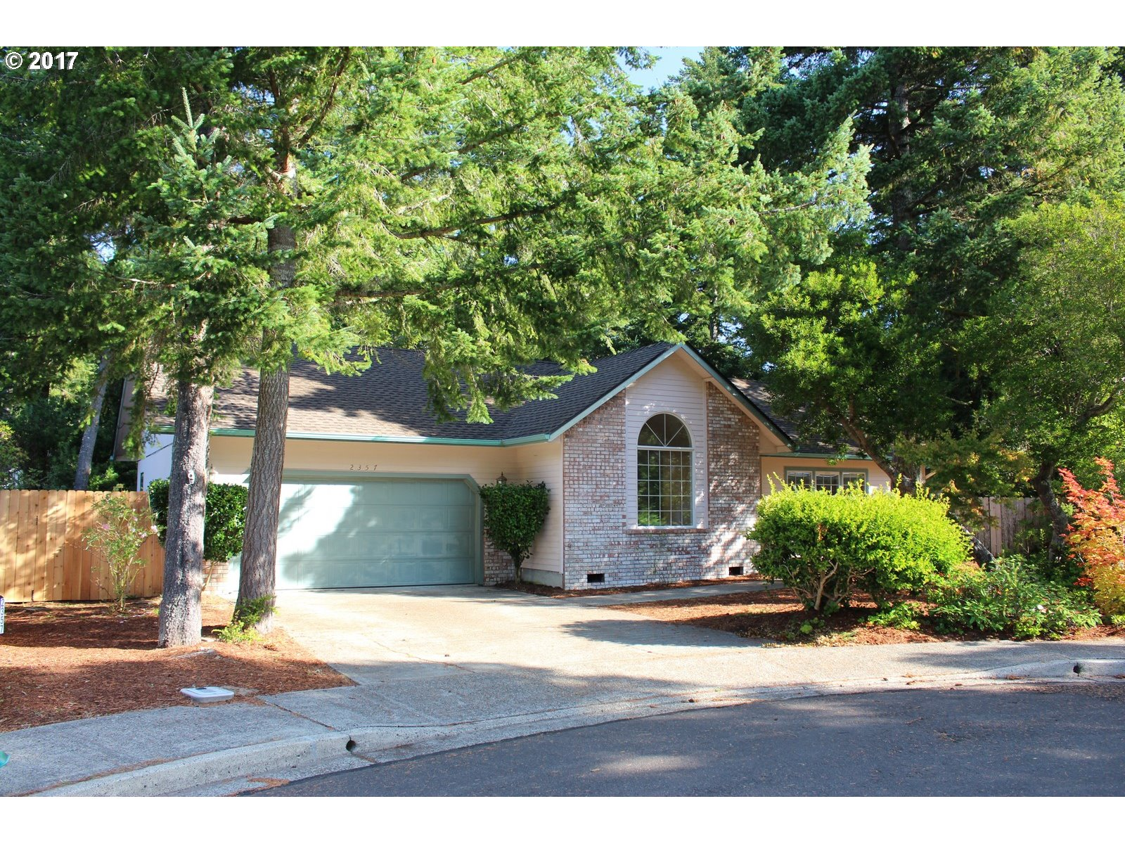 2357 S 22ND CT, Florence, OR 97439