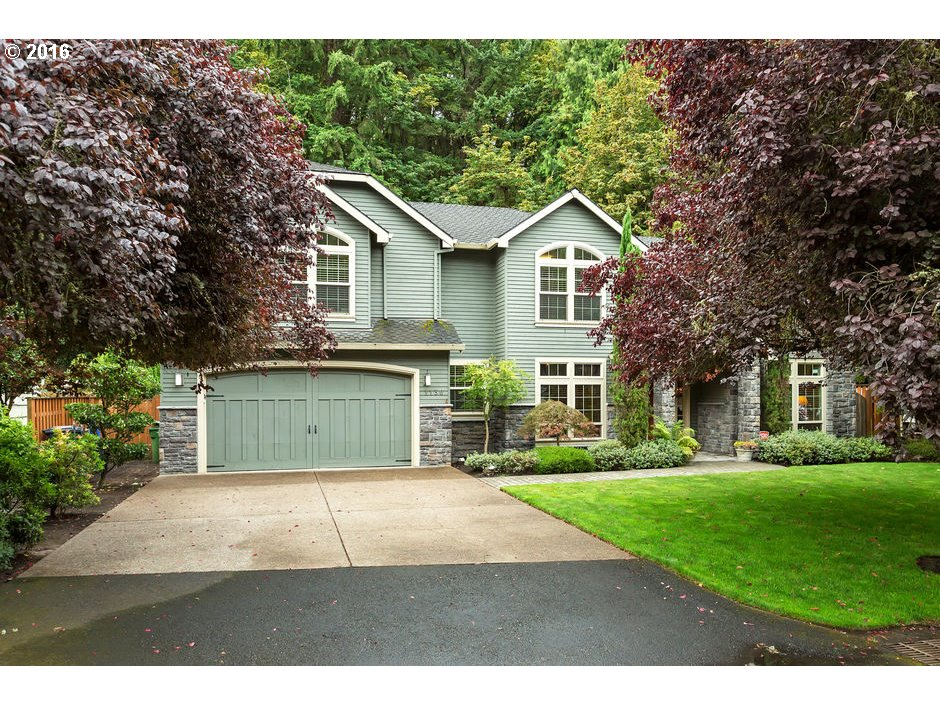 1130 OAK TER, Lake Oswego, OR 97034