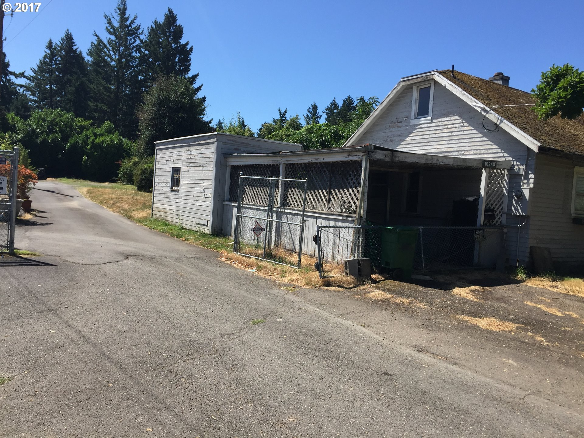 CASH ONLY - House is most likely a tear down. Attention developers - Level 18000sf (60x300) lot zoned R7 for front lot & flag lot - buyer to verify with city. Sold as-is.