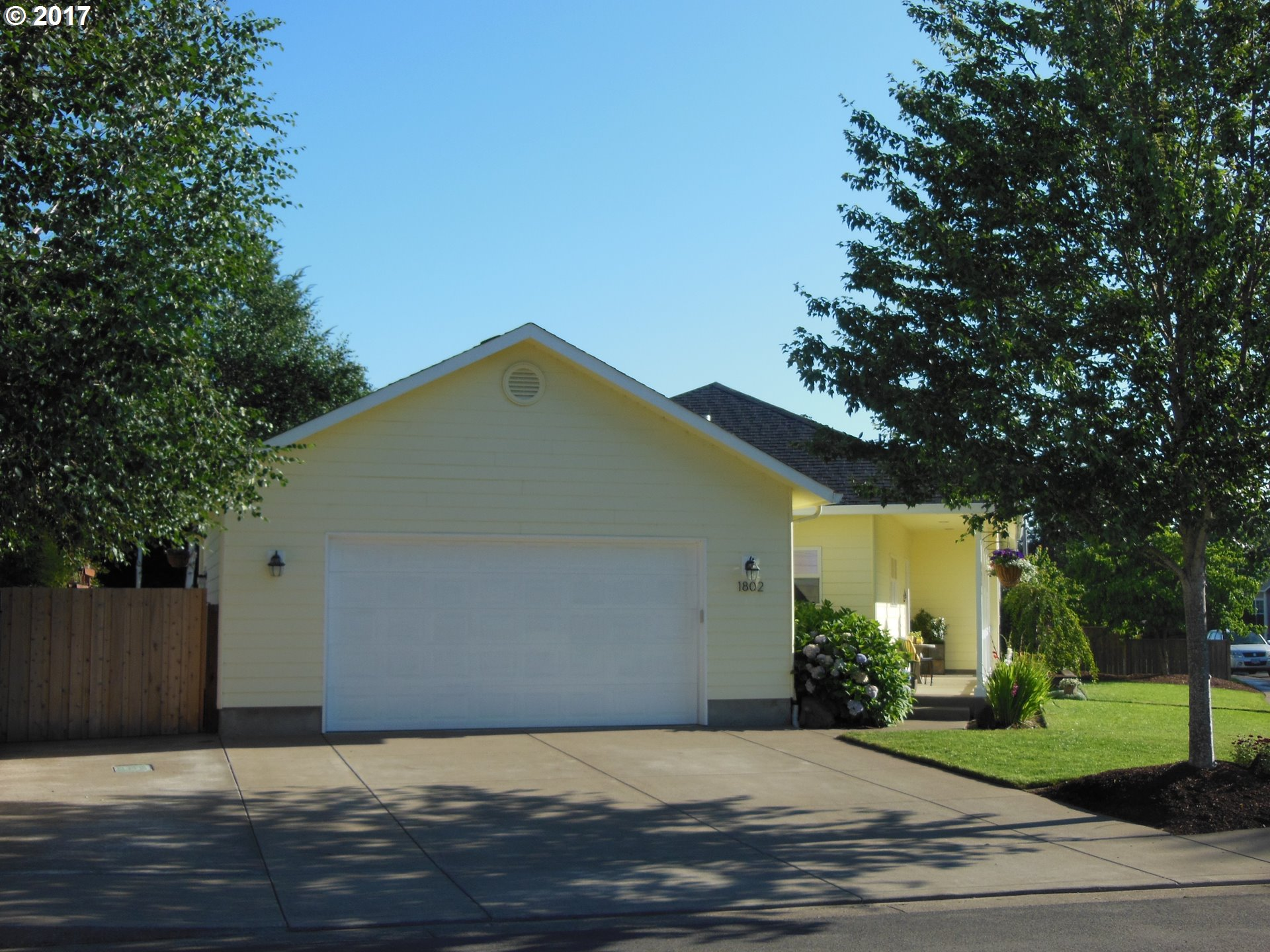 1802 W 11TH AVE, Junction City, OR 97448