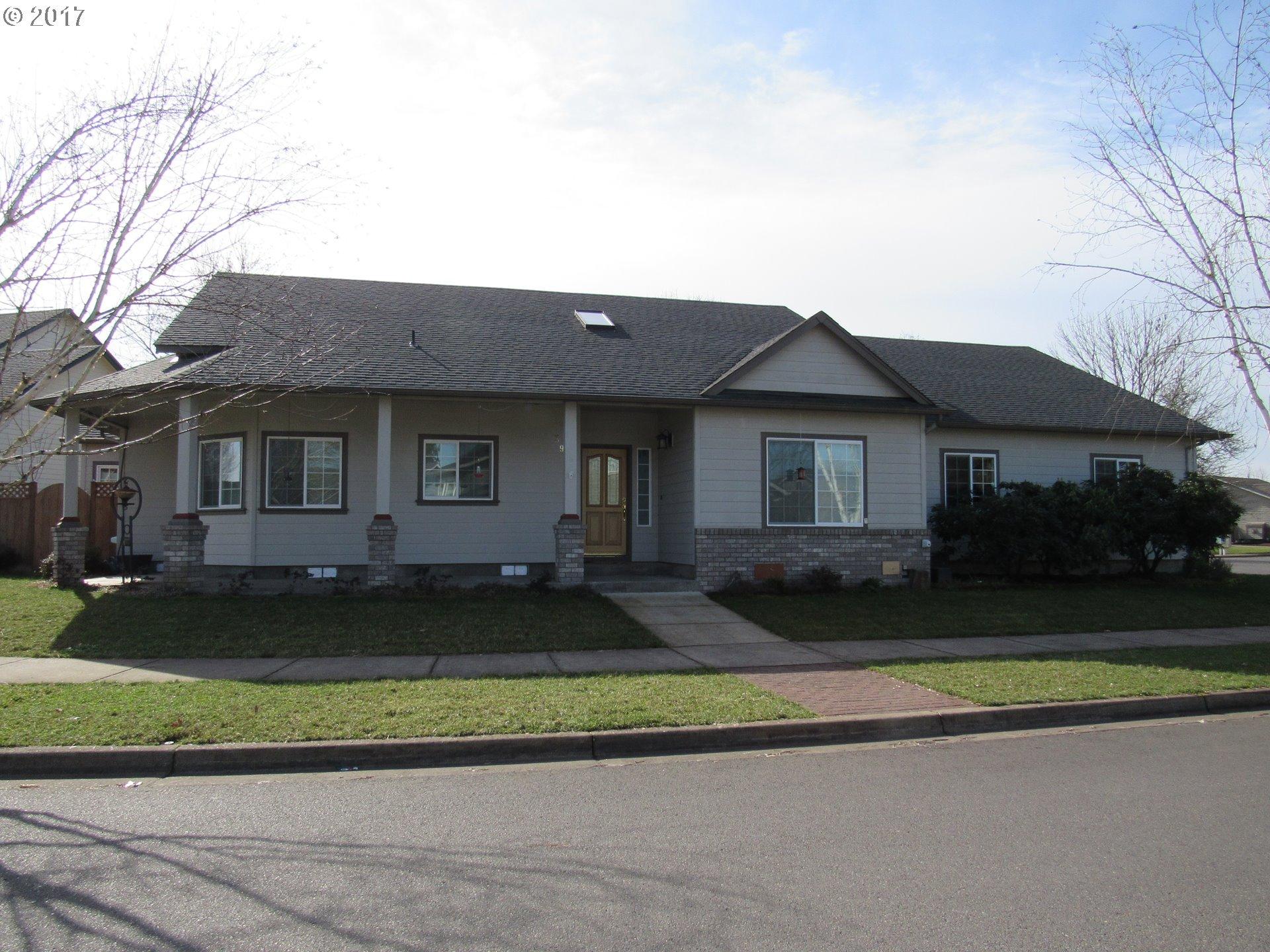 398 MACKIN AVE, Eugene OR 97404