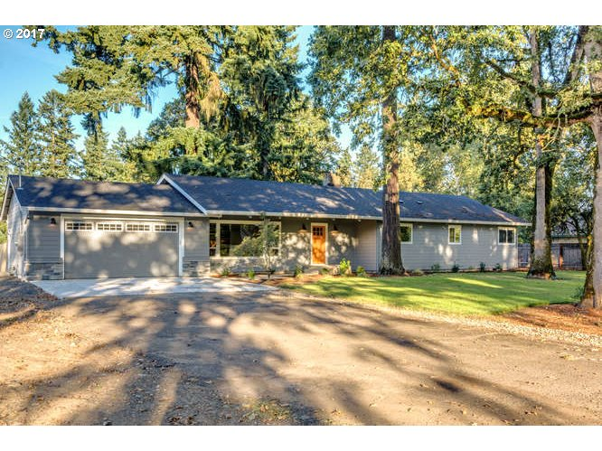15921 HUNTER AVE, Oregon City, OR 97045