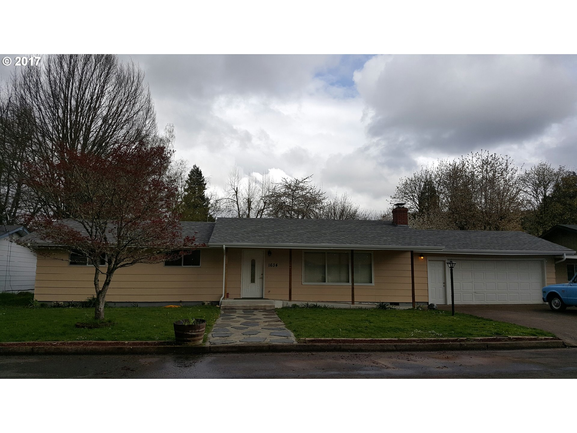 1634 S 5TH ST, Cottage Grove, OR 97424