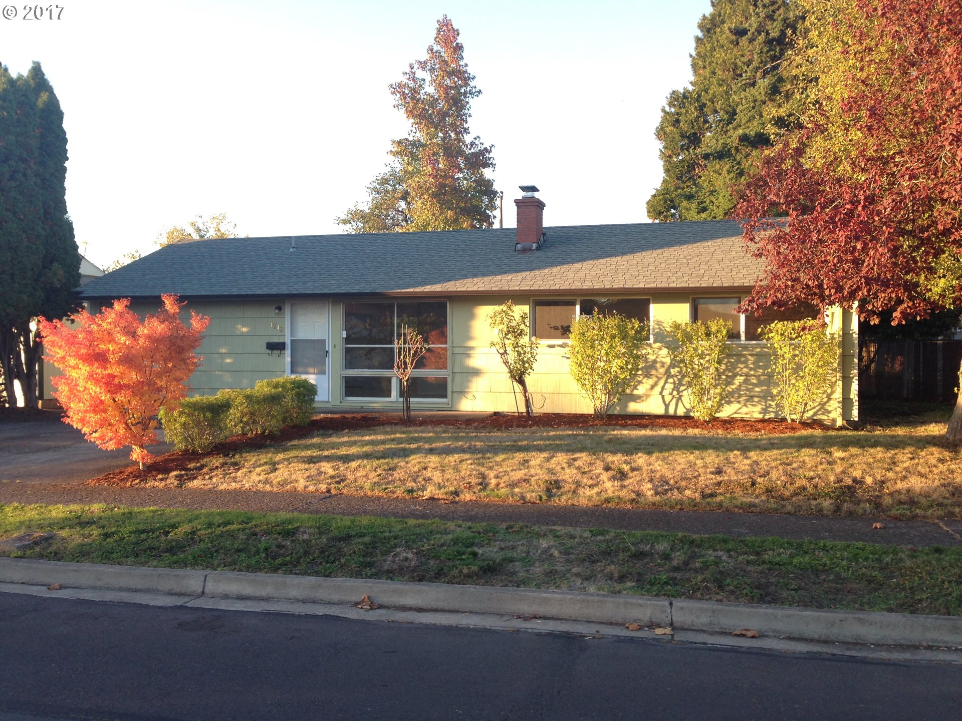 1242 OLYMPIC ST, Springfield OR 97477
