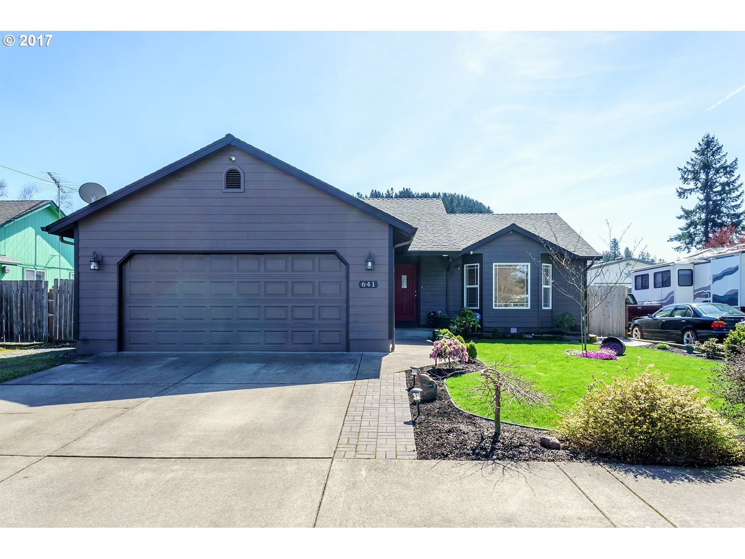 641 MARY NEAL LN, Creswell, OR 97426