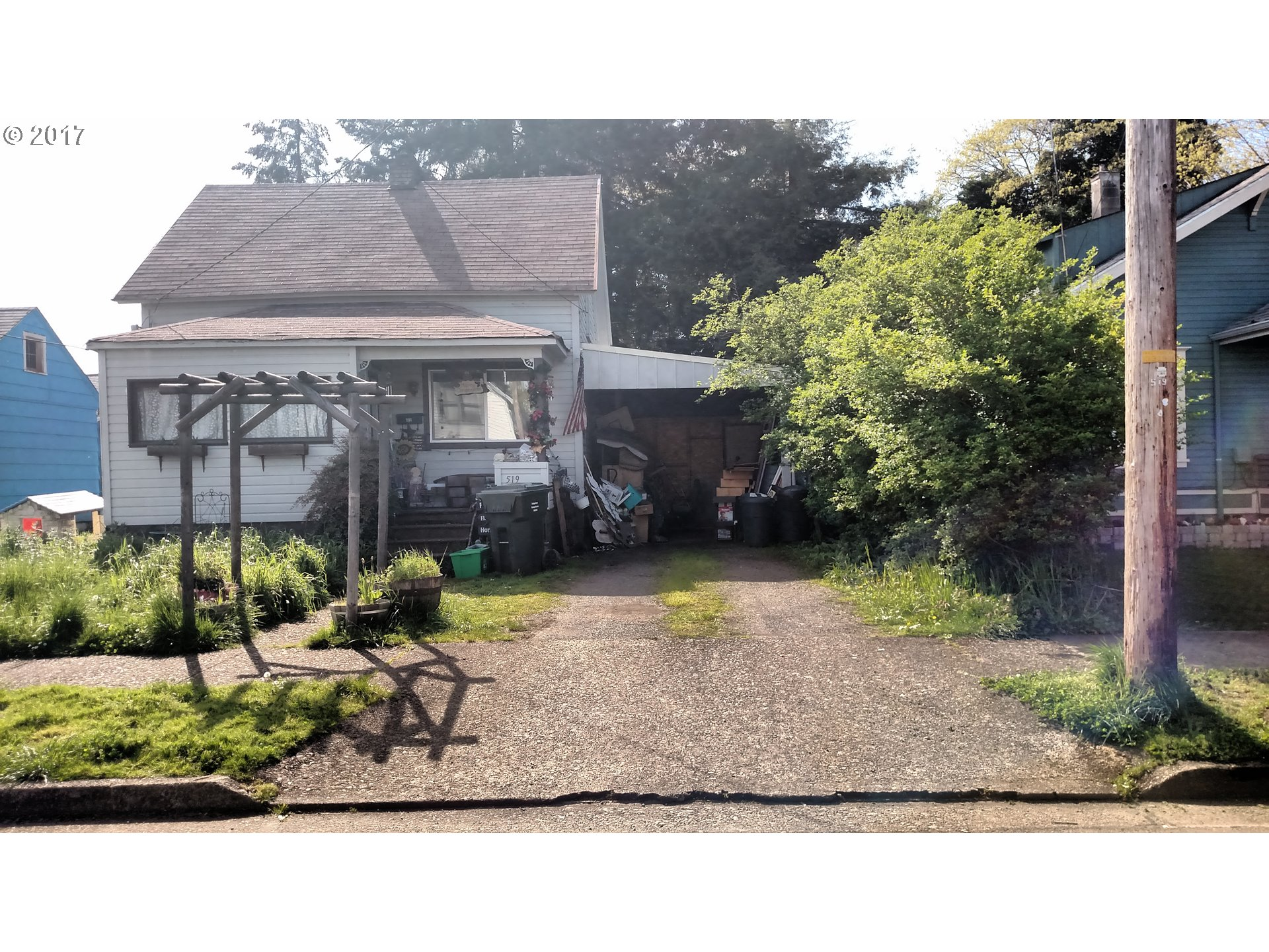 519 S 3RD ST, Cottage Grove, OR 97424