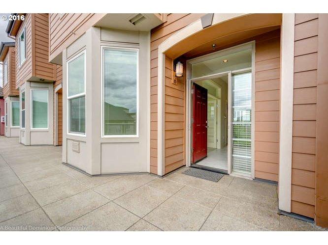 905 N HARBOUR DR, Portland, OR 97217