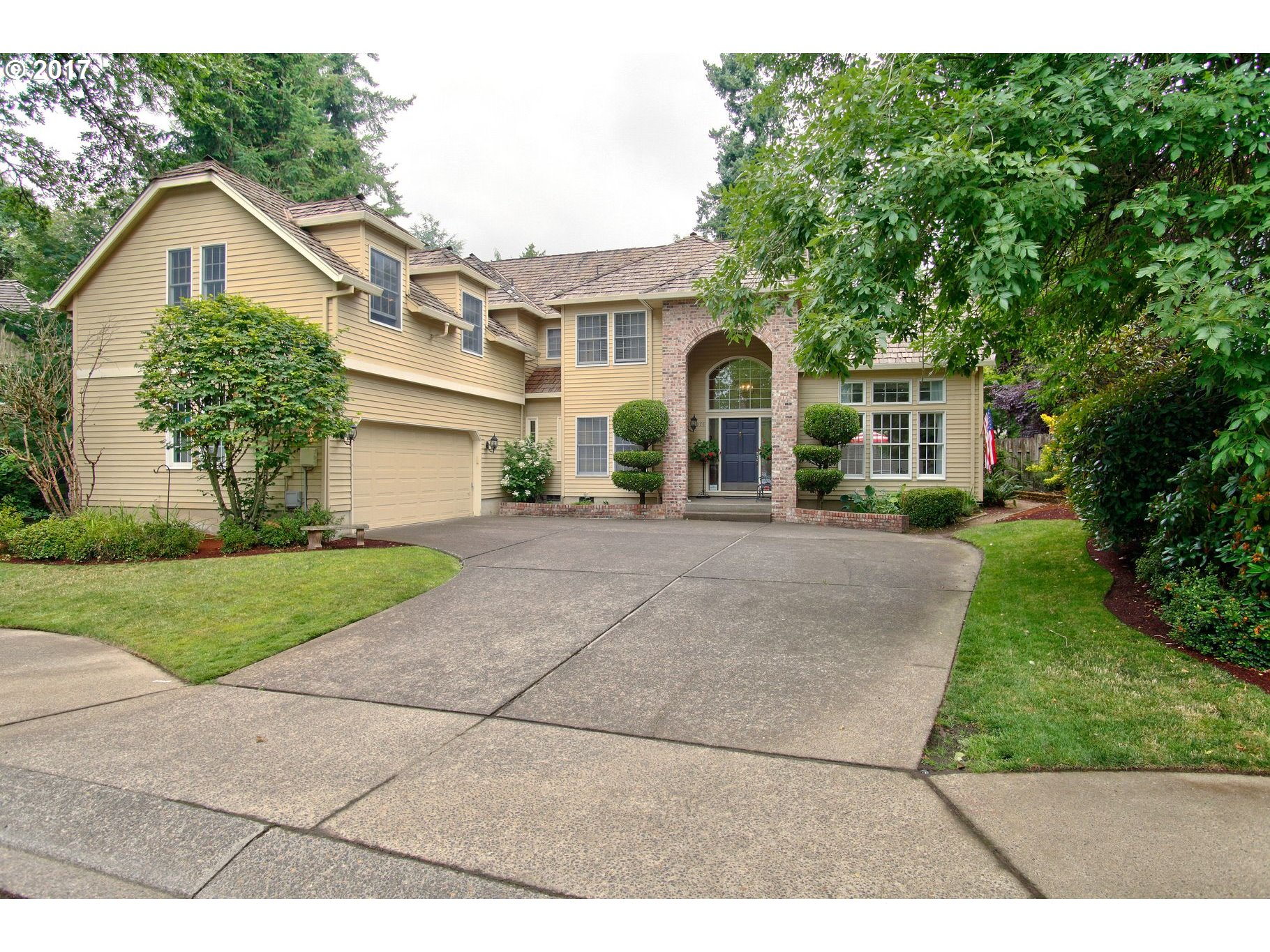5975 NEWCASTLE DR, Lake Oswego, OR 97035