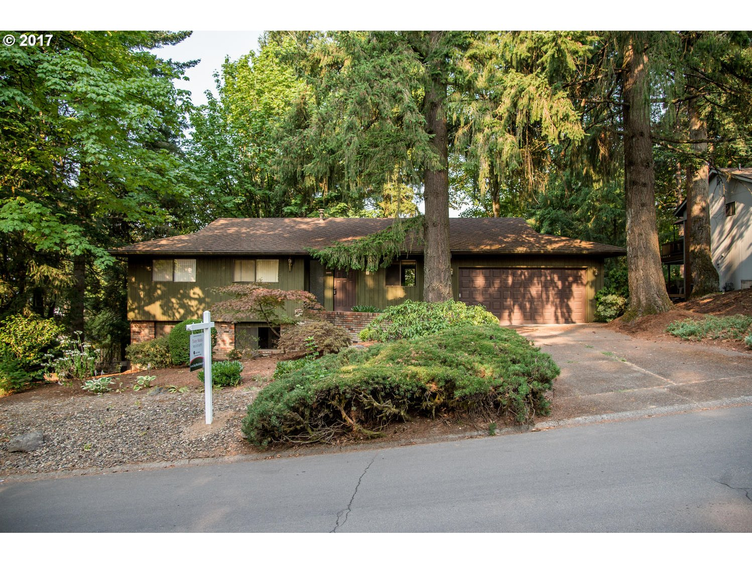 17 TOUCHSTONE, Lake Oswego, OR 97035