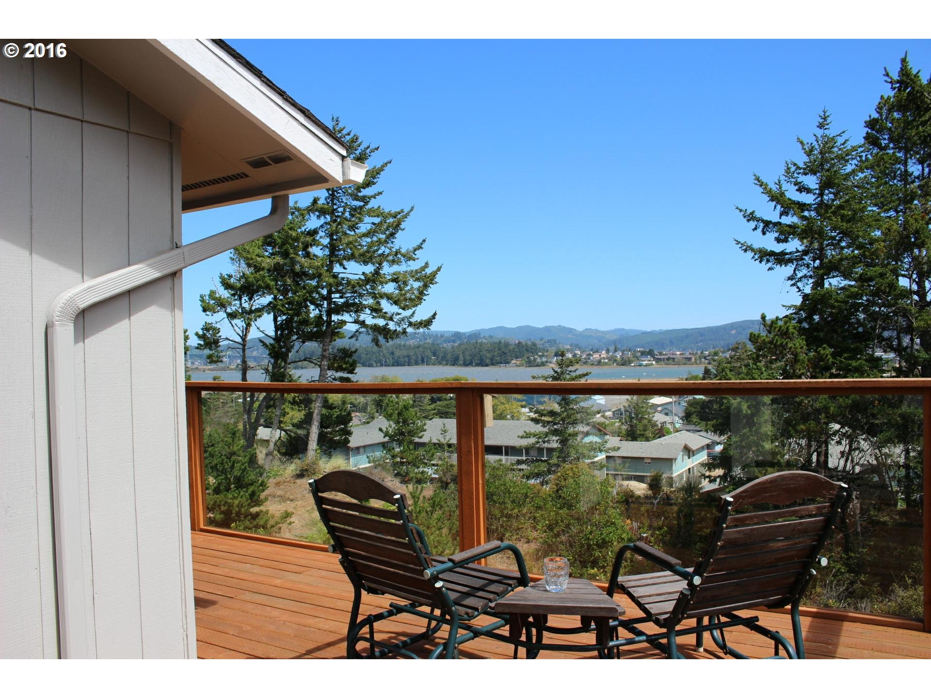 1999 1/2 ASH CT, North Bend, OR 97459