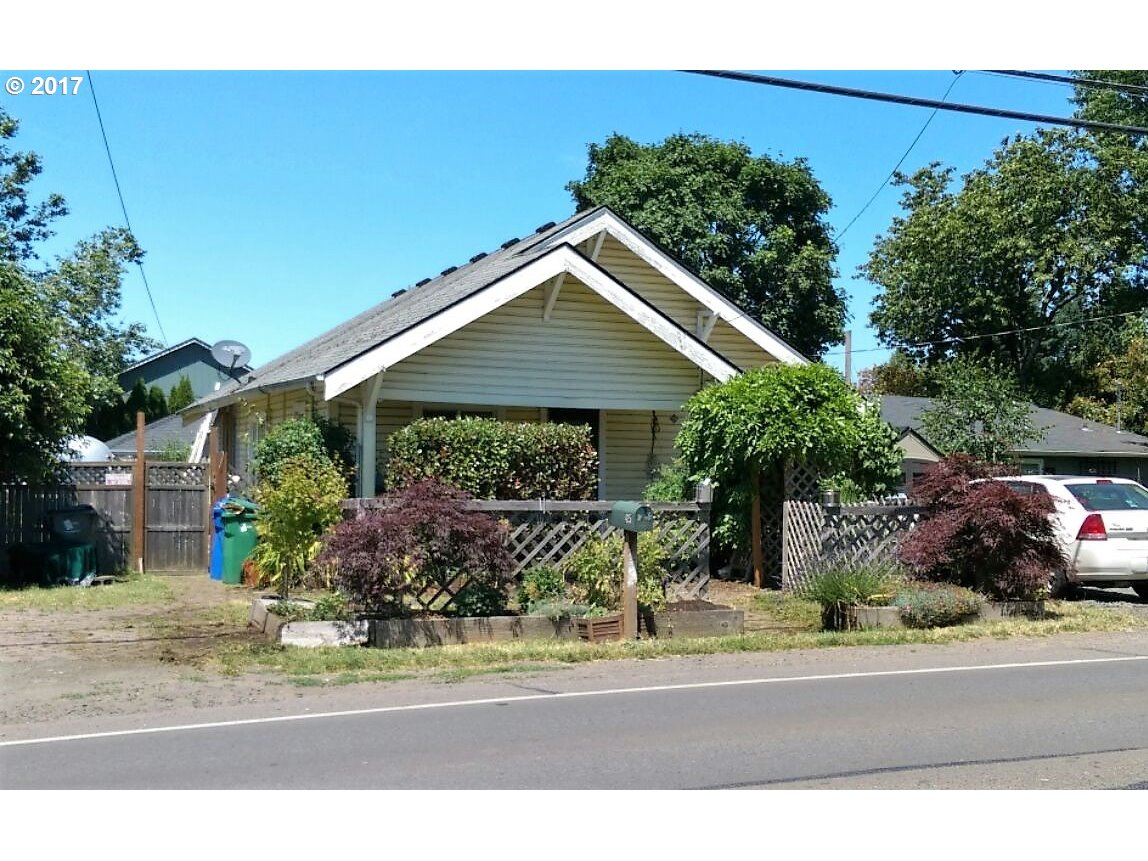 425 HUNSAKER LN Eugene, OR 97404 - MLS #: 17588989