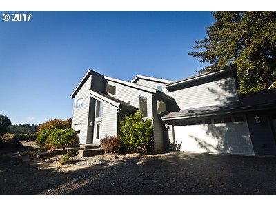 62220 CROWN POINT RD, Coos Bay, OR 97420