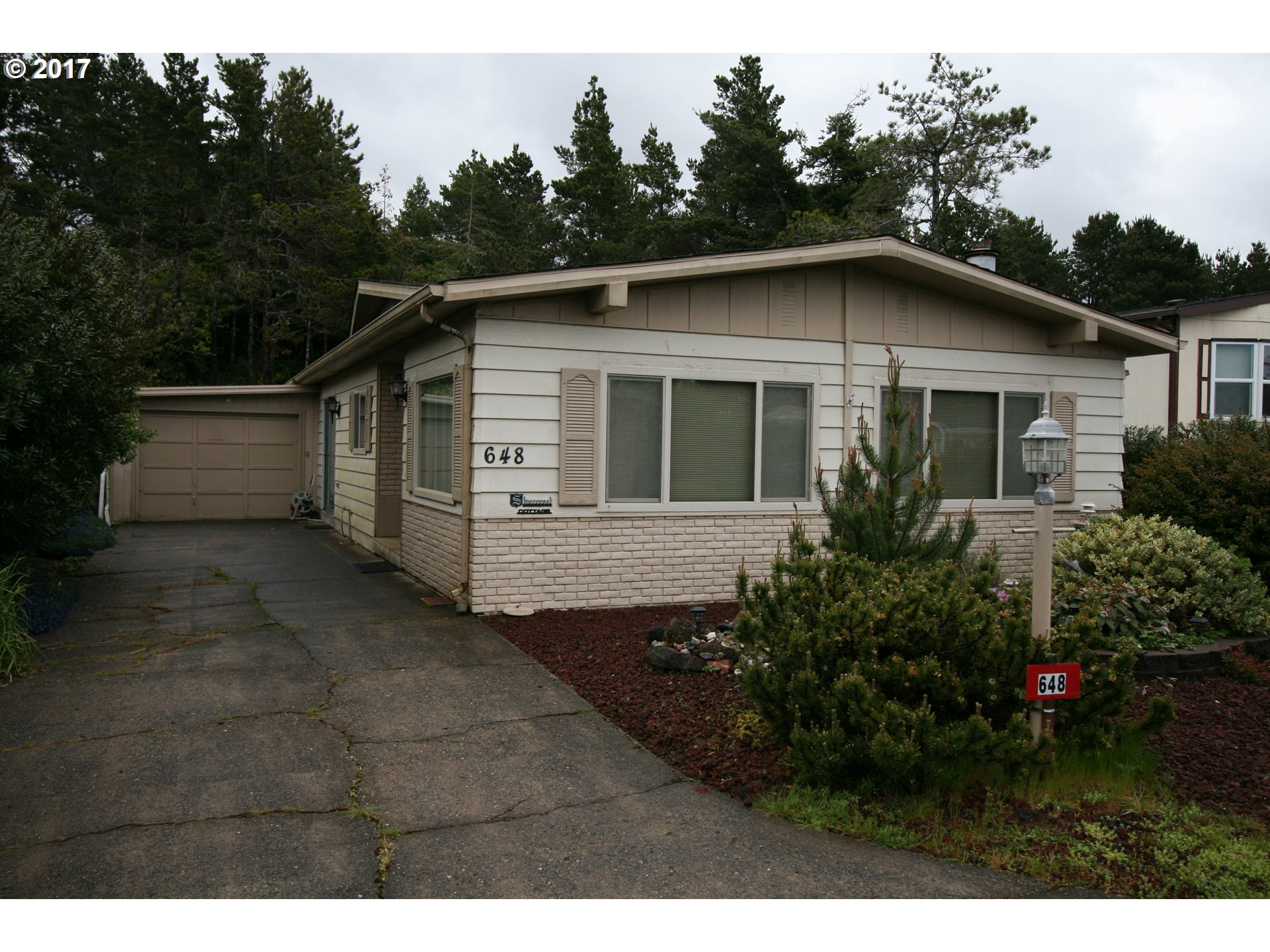 1601 RHODODENDRON DR SPAC 648, Florence, OR 97439