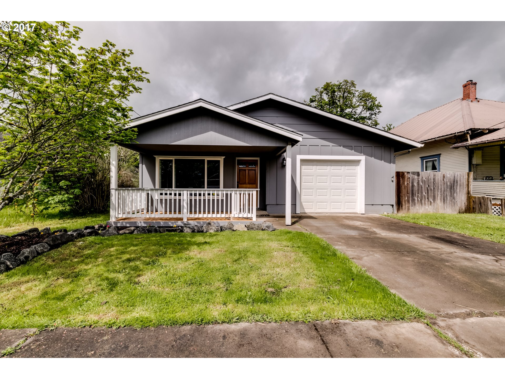 191 N 3RD ST, Creswell, OR 97426