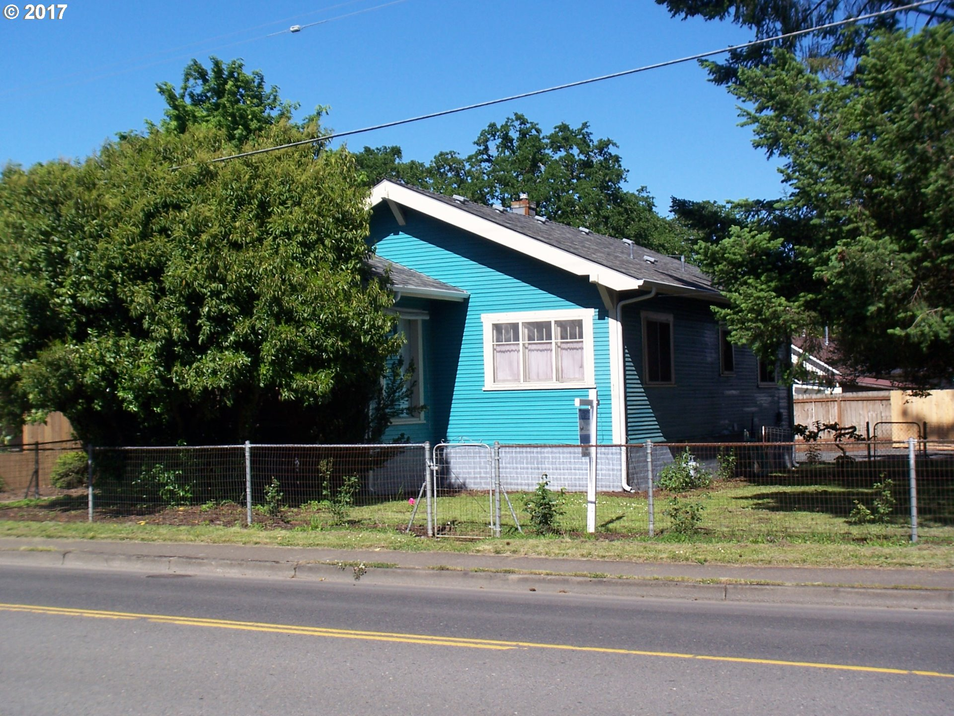 724 N 9TH ST, Cottage Grove, OR 97424